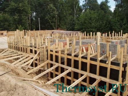 Строительство стационарной деревянной опалубки